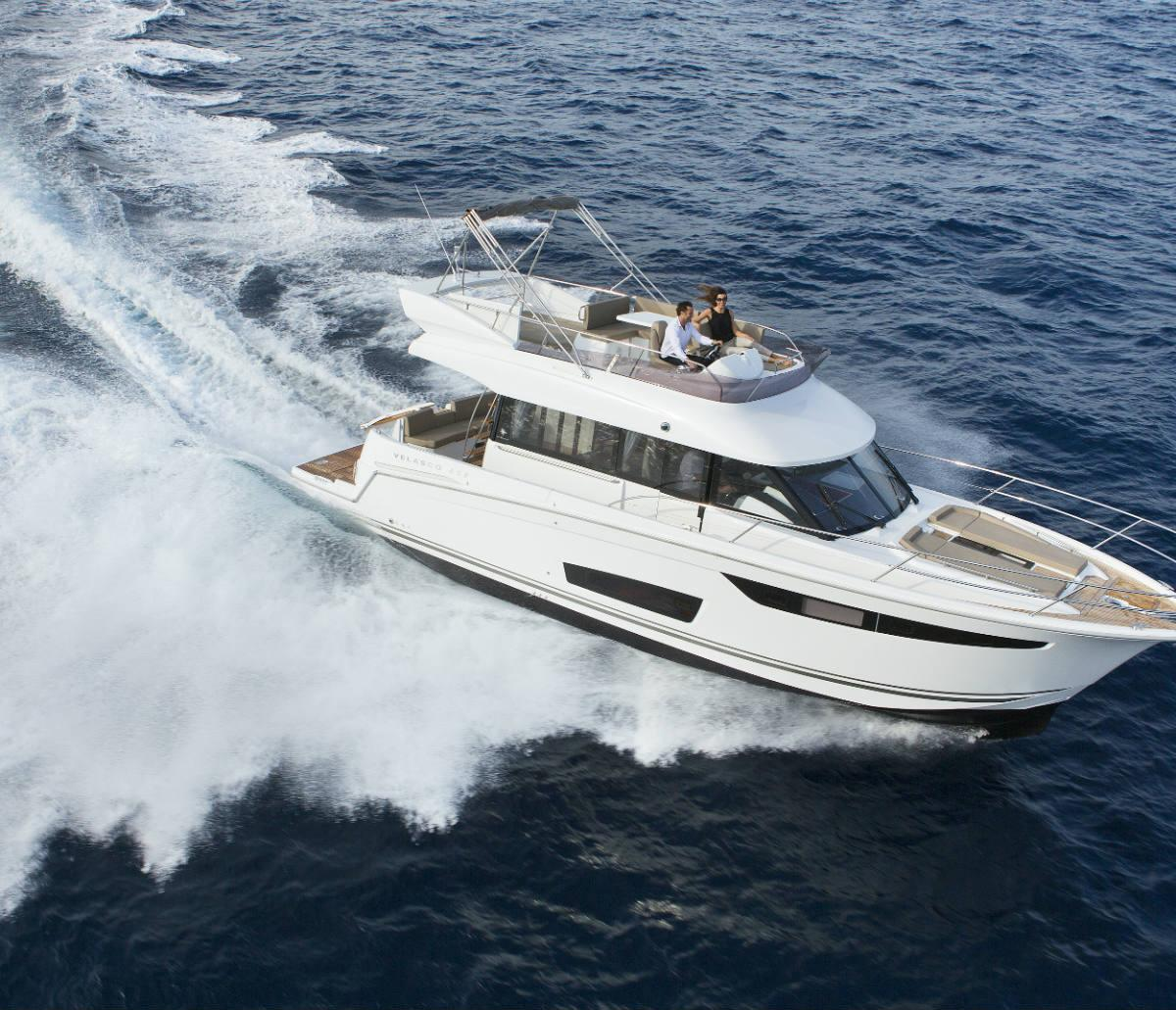 Velasco 43F | Jeanneau Boats